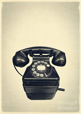 Old Vintage Telephone Print by Edward Fielding