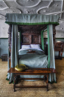 Dormitories Photograph - Olde Bedroom by Ian Mitchell