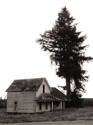Haunted House Photograph - On The Oregon Trail by Everett Bowers