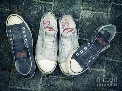 Sneakers Digital Art - Ouch by Jutta Maria Pusl