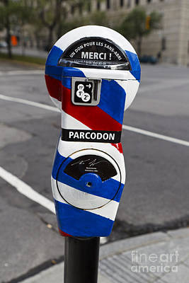 Que Photograph - Parking Meter In French With Red White And Blue Stripes by Jason O Watson
