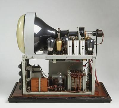 Parts Of A Television Set Print by Dorling Kindersley/uig