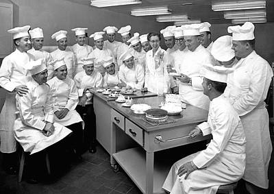 Food And Drink Photograph - Pastry Chef Class by Underwood Archives