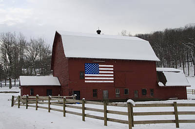 Patriot Barn - Wilkes Barre Pa Print by Bill Cannon