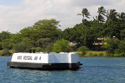 Habor Photograph - Pearl Harbor Marker For Uss Vestal by Linda Phelps