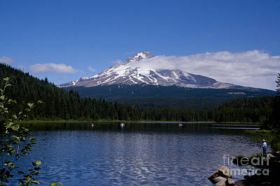 Perfect Day At Trillium Lake Print by Ian Donley