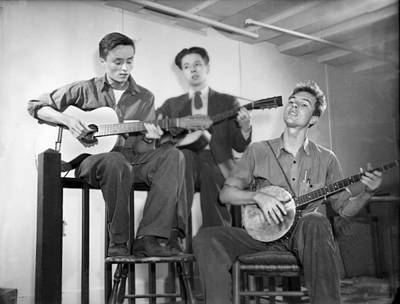 Butch Photograph - Pete Seeger & Friends by Underwood Archives