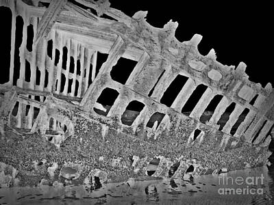 Peter Iredale In Reverse Bw 7 Print by Chalet Roome-Rigdon