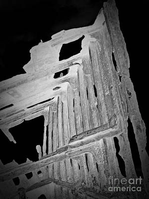 Peter Iredale Reverse Bw 6 Print by Chalet Roome-Rigdon