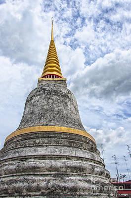 Phetchaburi Temple 09 Print by Antony McAulay