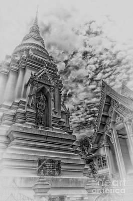 Phetchaburi Temple 37 Print by Antony McAulay