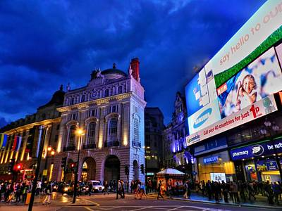 London Photograph - Piccadilly Circus 002 by Lance Vaughn