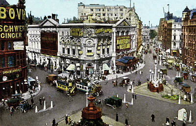 Piccadilly Circus Print by Cci Archives
