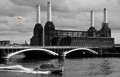 Pink Floyd's Pig At Battersea Print by Dawn OConnor