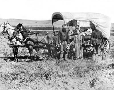 Pioneer Family And Wagon Print by Underwood Archives