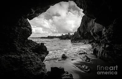 Pirate Treasure Cave Pa'iloa Beach Print by Edward Fielding