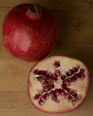 Cut In Half Photograph - Pomegranates 2 by Scott Campbell