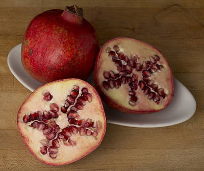 Cut In Half Photograph - Pomegranates 3 by Scott Campbell