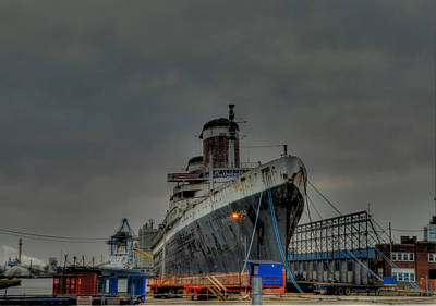 Port Of Philadelphia - Ss United States Print by Bill Cannon
