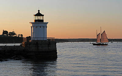 Lighthouses Photograph - Portland Breakwater Light by Juergen Roth