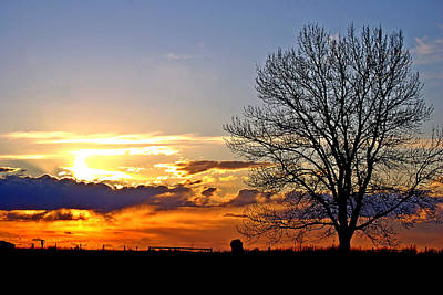 Alberta Photograph - Prairie Sunset by Laura Strain