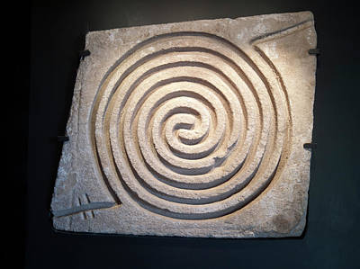Pre-columbian Spiral Rock Carving Print by Daniel Sambraus
