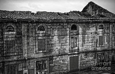 Old House Photograph - Principal Theatre In Ruins Bw by RicardMN Photography