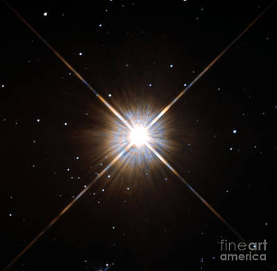 Proxima Centauri Print by Science Source