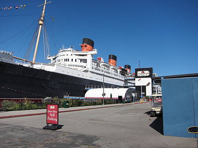 Queen Mary - 12123 Print by DC Photographer