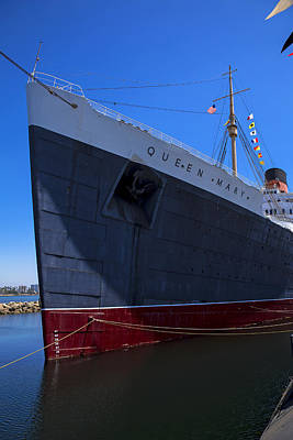 Queen Mary Photograph - Queen Mary Bow by Garry Gay