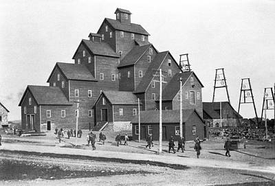 Quincy Mine No. 2 Shaft House Print by Underwood Archives