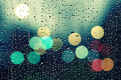 Abstract Rain Photograph - Rain And The City by Beata  Czyzowska Young