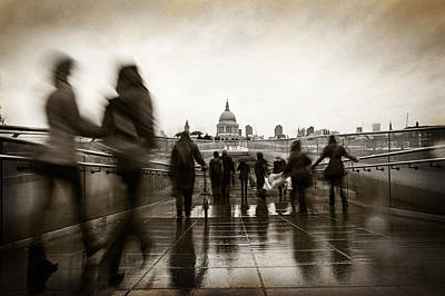 Rainy Day In London With Vintage Filter Print by Susan Schmitz