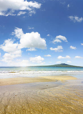 Rangitoto Island Print by Les Cunliffe