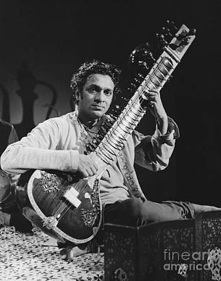 Ravi Photograph - Ravi Shankar by Bedrich Grunzweig