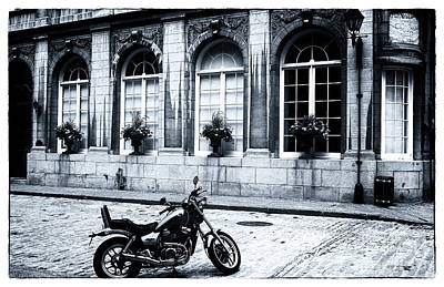 Old Montreal Photograph - Ready To Roll by John Rizzuto