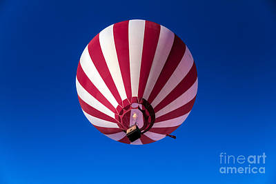 Red And White Striped Balloon Print by Robert Bales