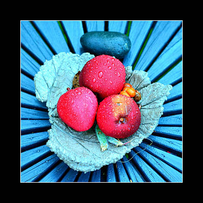 Red Apples On A Platter Original by Toppart Sweden