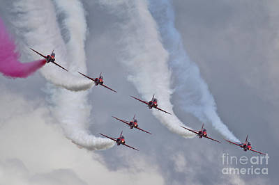 Raf Photograph - Red Arrows Roll Left by J Biggadike