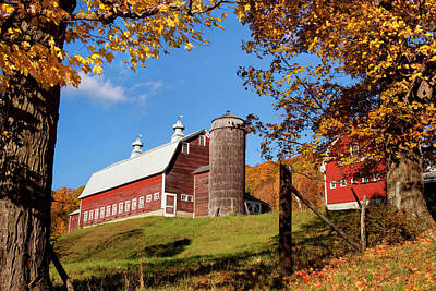 Red Barn In Autumn Near Woodstock Print by Brian Jannsen