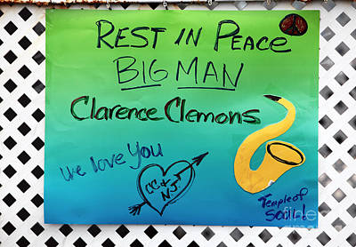 Rock Music Art Photograph - Rest In Peace Big Man by John Rizzuto