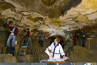 Painter Photograph - Restoring Lascaux Cave Paintings Replica by Science Photo Library