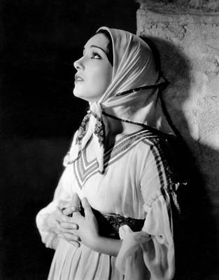 Babushka Photograph - Resurrection, Lupe Velez, 1931 by Everett