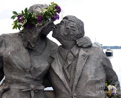 Richard Beyer Kissing Couple Statue Olympia Wa Print by Ellen Miffitt