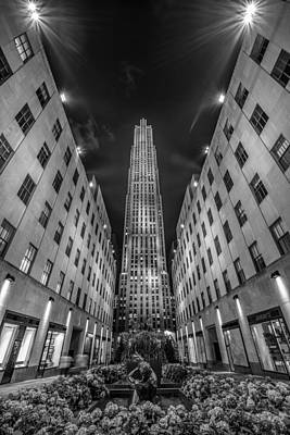 Rockefeller Center - New York 1 Print by Larry Marshall