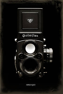Rolleiflex Tlr Print by Dave Bowman