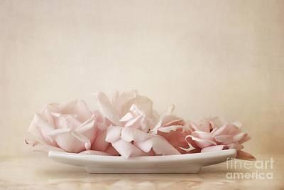 Still Life Photograph - Roses by Priska Wettstein
