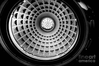 Rotunda Dome Black And White Print by Thomas Marchessault