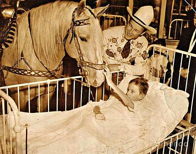 Roy Rogers And Trigger With A Polio Victim In Pittsburgh Print by Unknown