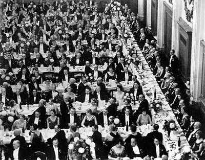 Dining Hall Photograph - Royal Geographical Society by Underwood Archives